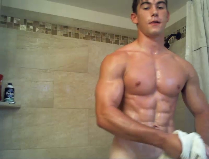 Young_Muscular_Stud_Cam-Snap-Shot