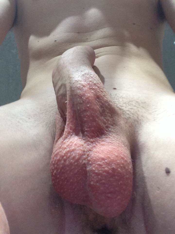 Teen shows his crotch