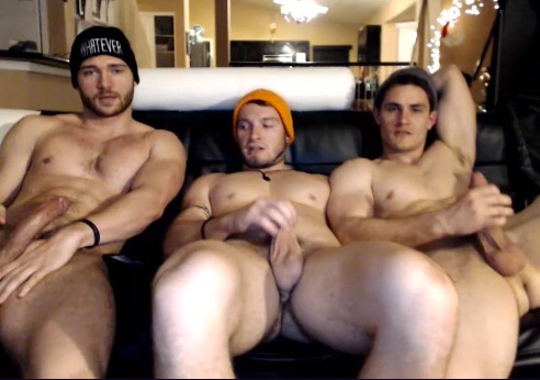 WEBCAM: 3 young studs wank together